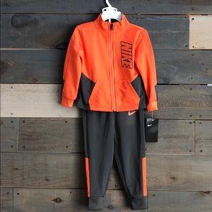 NWT Nike Boys 2pc Track Suit Set Orange Gray
